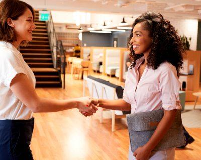 Entrevistador entrevistado: ¿Sabes vender tu compañía en tus procesos de selección?